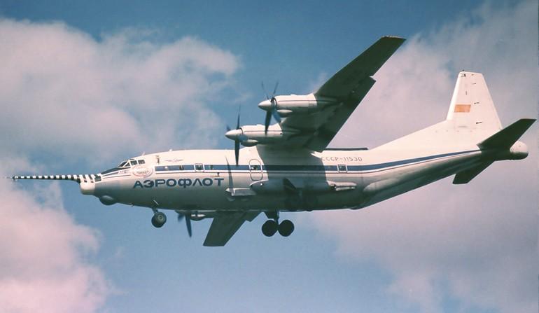 Самолет ан 12 ziklon кликни по фотографии